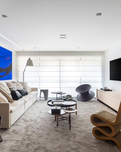 Apartament A B