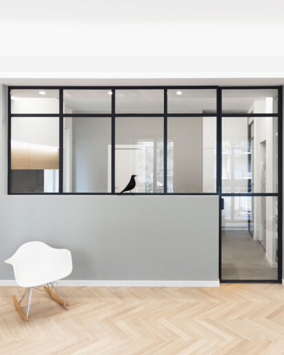 DMC | Round the Corner Apartment