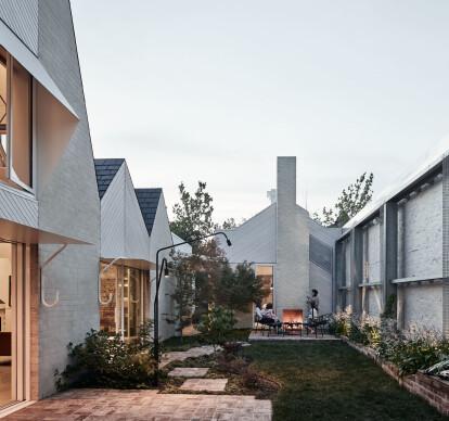 RaeRae House
