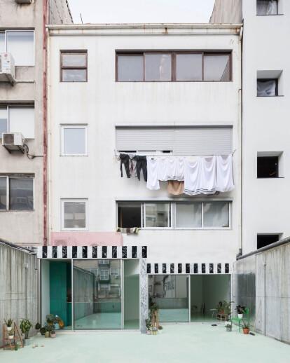 Apartment on a mint floor