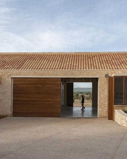 Ampliación Bodega Ribas (Ribas Winery Extension)