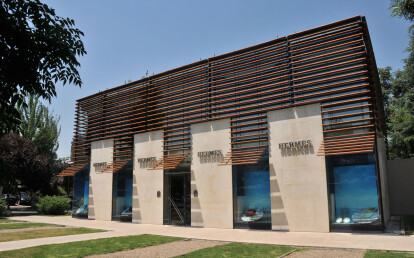 Hèrmes Store Chile with Bamboo X-treme beams