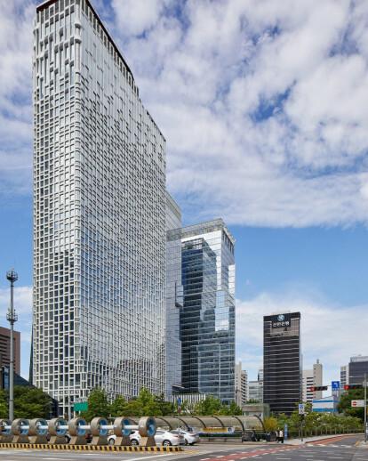 Hanwha Headquarter office tower in Seoul