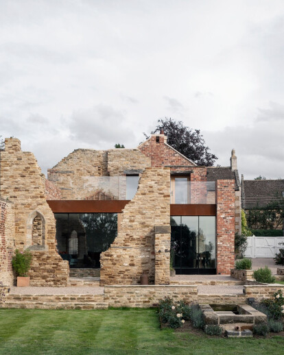 British ruins become the driving force behind this graceful extension design