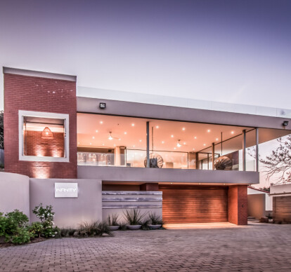 Leisure bay house