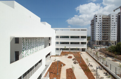 Shimon Peres High Tech and Arts High School