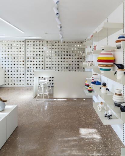 Kahn Gallery Shop