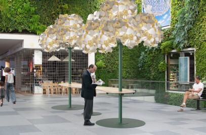 Leaf Lamp Metal Tree & Seamless Table