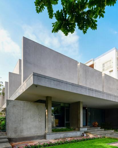RH23_A Constructivist House