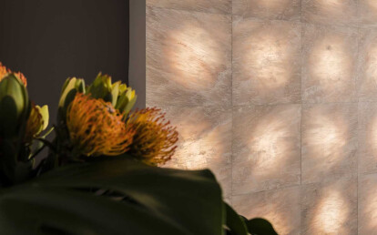 Sole marble backlit wall covering