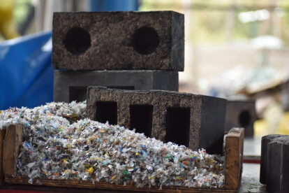 India based Rhino Machines introduces brick made from recycled plastic and sand