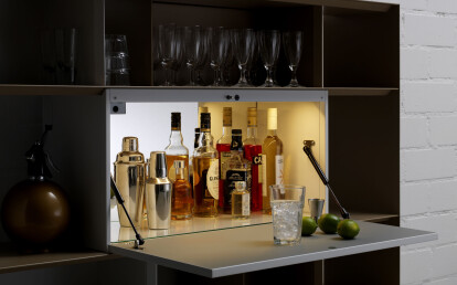 STACK shelving system with bar