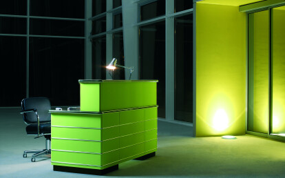 Classic Line straight reception desk with top