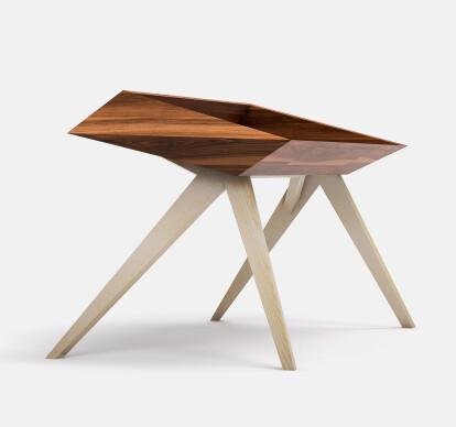 WoW Desk