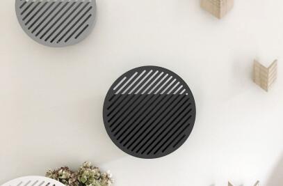 Diagonal wall baskets
