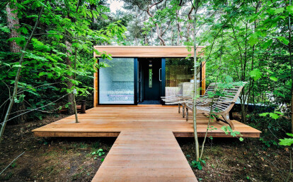 2-person outdoor sauna, steam room and outdoor shower