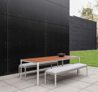 B Outdoor Able Bench