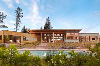 Golden Oak Residence