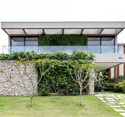 400m2-House