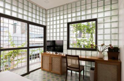 Glass-Block Micro House