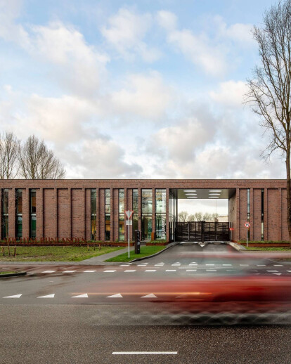 SUSTAINABLE OFFICE BUILDING