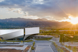 Diller Scofidio + Renfro wraps warped US Olympic and Paralympic Museum in 9,000 uniquely shaped anodized aluminum panels