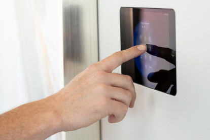 """Wall-Smart Invisible Flush Mount for iPad Pro 11"""""""