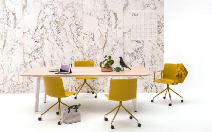 Nomi Work chair