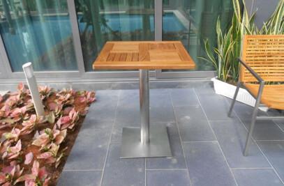 ACCURA SQUARE TABLE