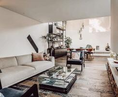 Bungalow, sofa
