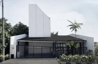 Vinyasa House sections