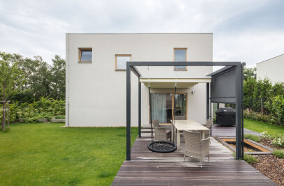 Extended house in Prague