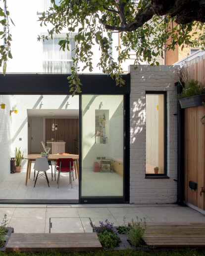A   E illustrator's listed townhouse