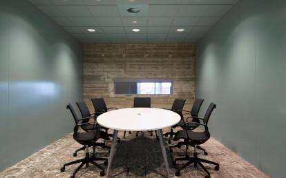 Turn office chair