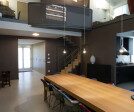the table (3.6 m long, 4 legs only)