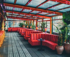 Sixty LES Retractable Roof