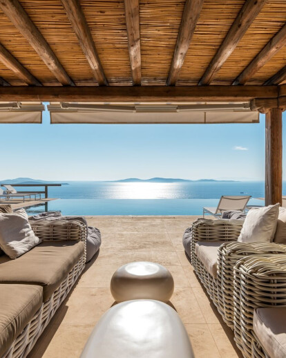 Infinite Blue Villa
