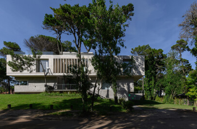 Jacarandá House in Cariló