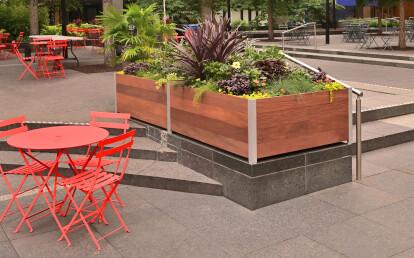 Mariner Mulit-section City Plaza Planter