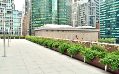 Mariner Multi-Section Commercial Planter Parapet Wall