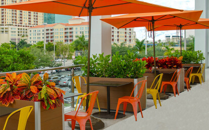 Mariner Commercial Recycled Plastic Lumber Restaurant Planters