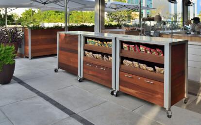 Custom Weatherproof Restaurant Food Service Cart