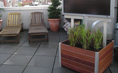 Custom Movable Planter mounted Outdoor TV Stand