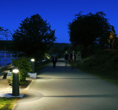 LED bollards -Shielded light