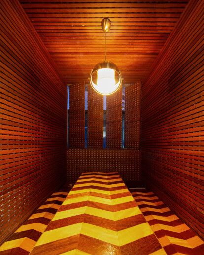 Wood Muxarabi Office
