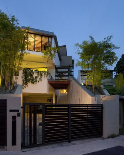 Lorong Pisang Emas House