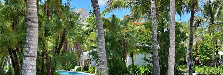 Weatherproof Pool Towel Return Cart Enclosure
