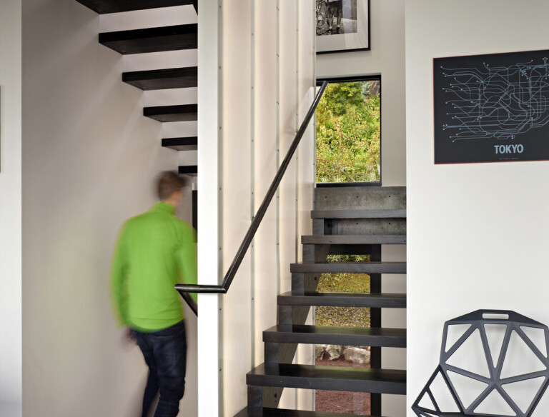 Cycle House Stair with led divider