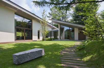 Symbiotic House in Karuizawa