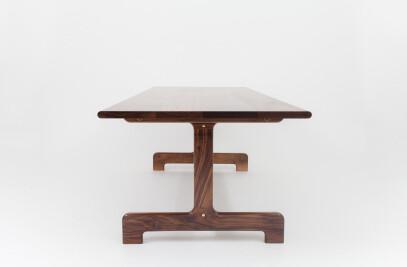 Physalia Table
